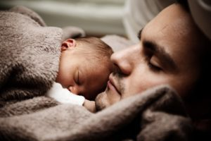 Dad_Baby_Sleeping
