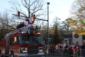 2016-12 MB Xmas Parade Santa firetruck