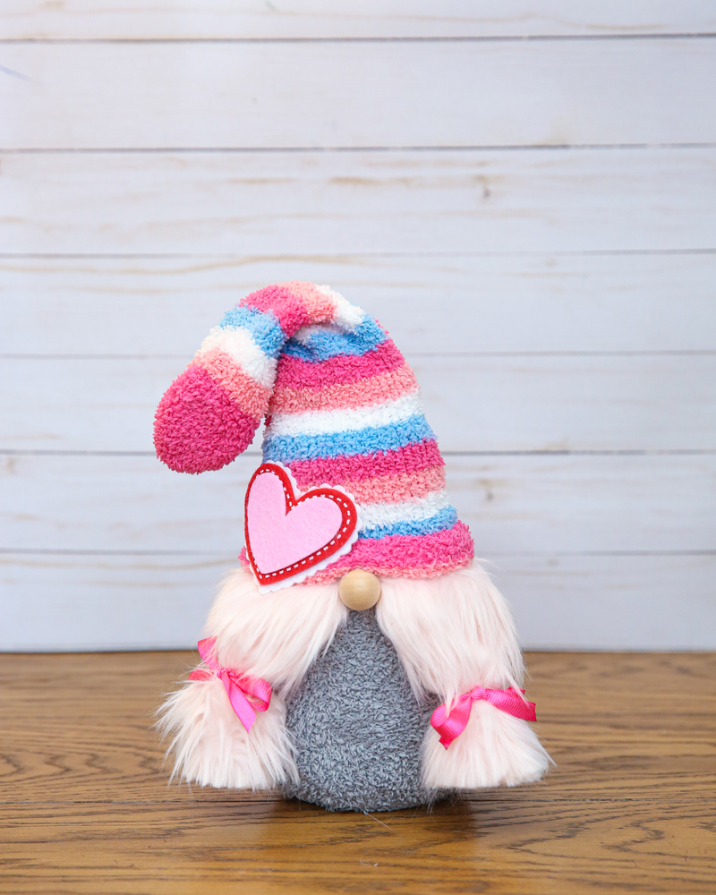love gnomes sock gnomes craft - what a cutie