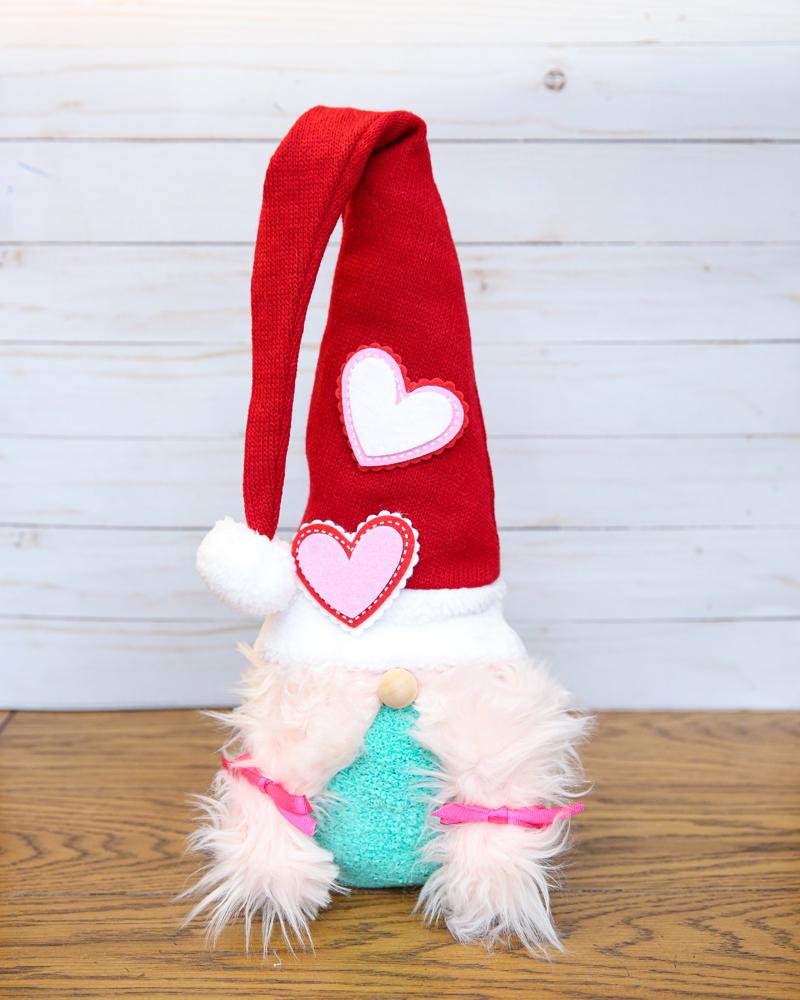 love gnomes sock gnomes craft - kids will love this!