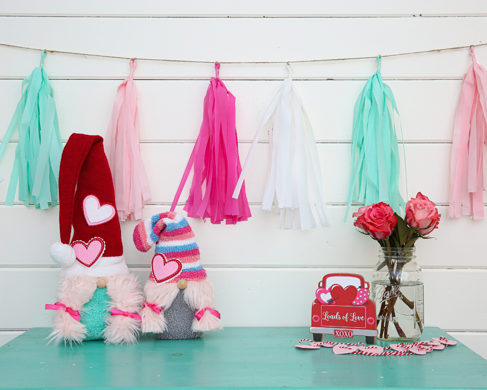 love gnomes sock gnomes craft - ready for Valentine's Day!