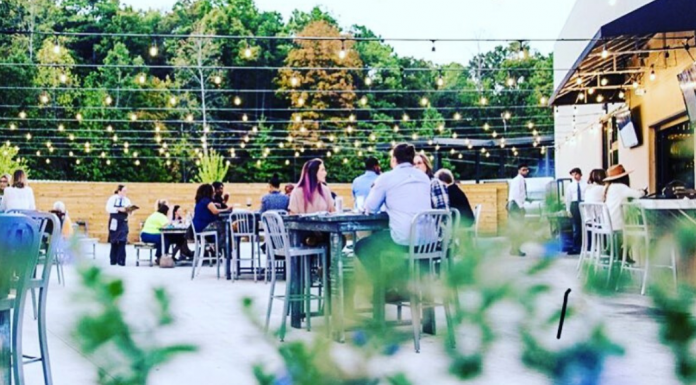 Tre Luna is among the Birmingham area restaurants to offer patio dining