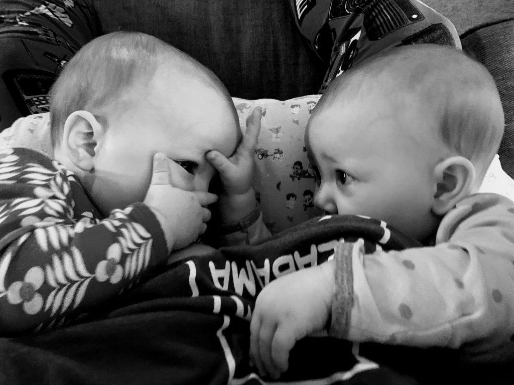 breastfeeding twins - good entertainment!