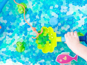 Entertaining preschoolers at home - water beads