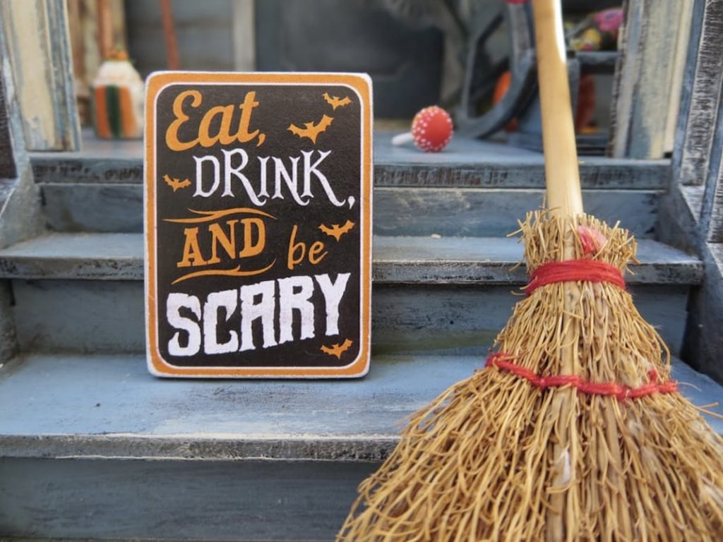 Celebrating Halloween in a pandemic - fall decor