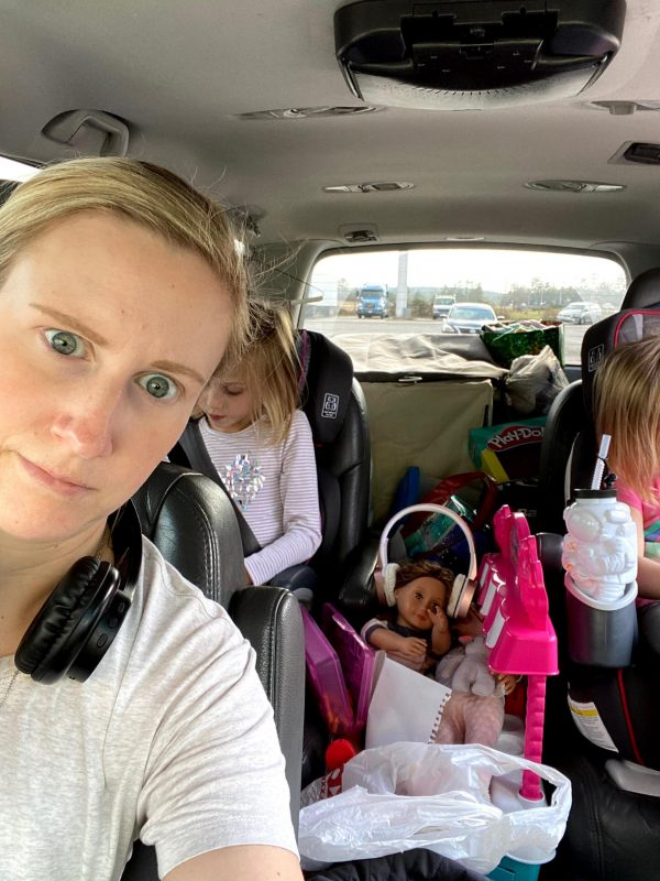 Holiday travel guide - staying sane while on the road with kids